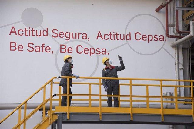 """Archivo - Cepsa conmemora el Día Mundial de la Seguridad y la Salud """"con la prevención como bandera"""" ."""