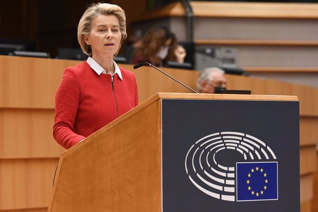 HANDOUT - 27 April 2021, Belgium, Brussels: European Commission President Ursula von der Leyen delivers a speech during a debate on the EU-UK trade and cooperation agreement on the second day of a plenary session at the European Parliament. Photo: Etienne