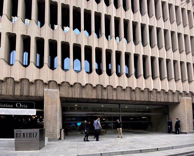Archivo - Fachada exterior de la sede del BEI (Banco Internacional de Inversiones) en Madrid (España), a 13 de febrero de 2020.