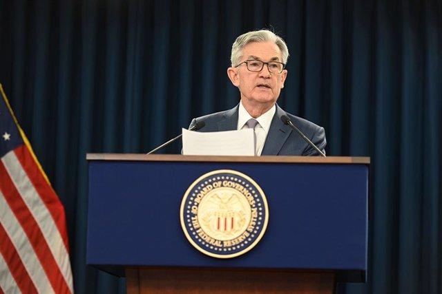 Archivo - El presidente de la Fed, Jerome Powell, en la rueda de prensa extraordinaria celebrada el 3 de marzo de 2020 en Washington.