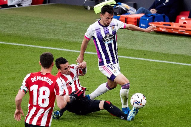 Oscar Plano of Real Valladolid during the spanish league, LaLiga, football match played between Athletic Club v Real Valladolid at San Mames Stadium on April 28, 2021 in Bilbao, Spain.