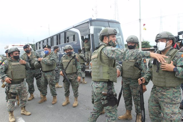 Operativo del Ejército de Ecuador para sofocar los motínes que se produjeron en varias cárceles del país en febrero de 2021.