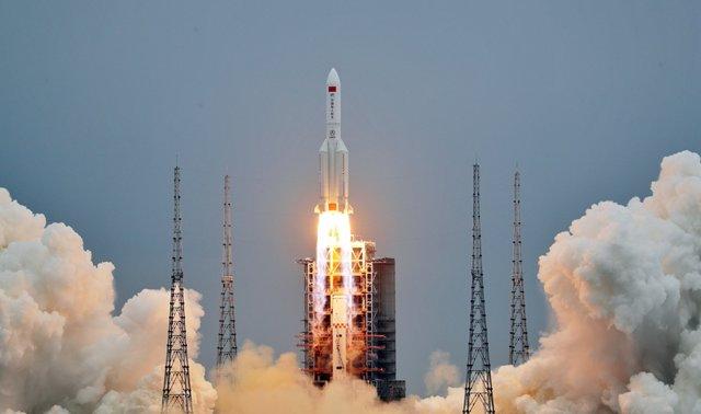Lanzamiento del módulo central de la estación espacial china