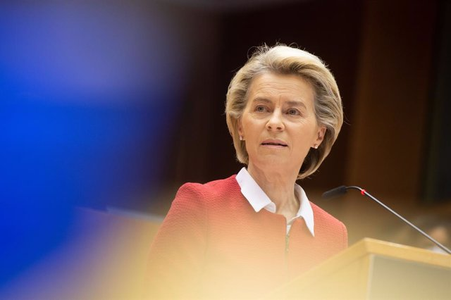 HANDOUT - 27 April 2021, Belgium, Brussels: European Commission President Ursula von der Leyen delivers a speech during a debate on the EU-UK trade and cooperation agreement on the second day of a plenary session at the European Parliament. Photo: Jan Van