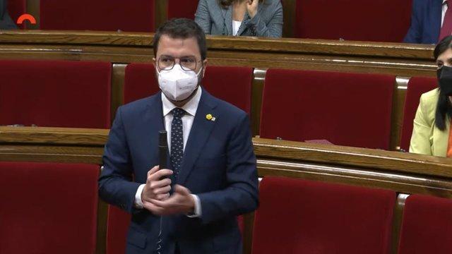 El vicepresident de la Generalitat en funcions, Pere Aragonès, en la sessió de control en el ple del Parlament.