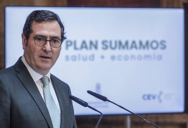 Archivo - El presidente de la CEOE, Antonio Garamendi