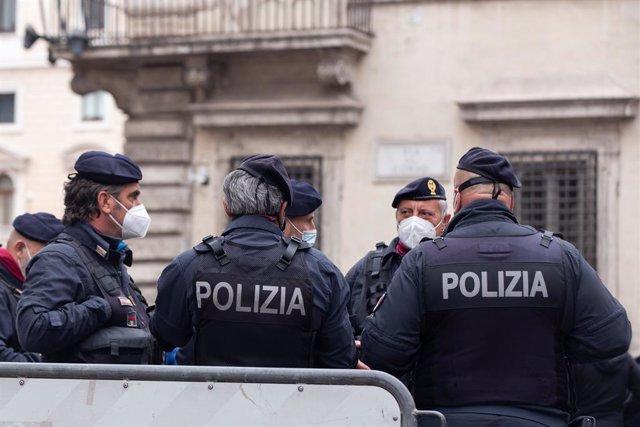 Agentes de la Policía italiana