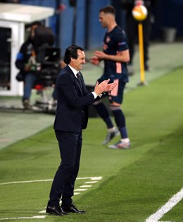 29 April 2021, Spain, Villareal: Villarreal coach Unai Emery stands on the touchline during the UEFA Europa League Semi Final First Leg soccer match between Villareal and Arsenal at the Estadio de la Ceramica. Photo: Isabel Infantes/PA Wire/dpa