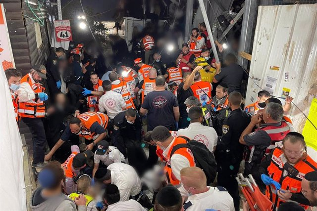 HANDOUT - 30 April 2021, Israel, Mount Meron: A handout image provided by the Israeli Emergency Medical Service United Hatzalah shows first responders working at the Jewish Orthodox pilgrimage site of Mount Meron, where dozens of worshippers were killed i