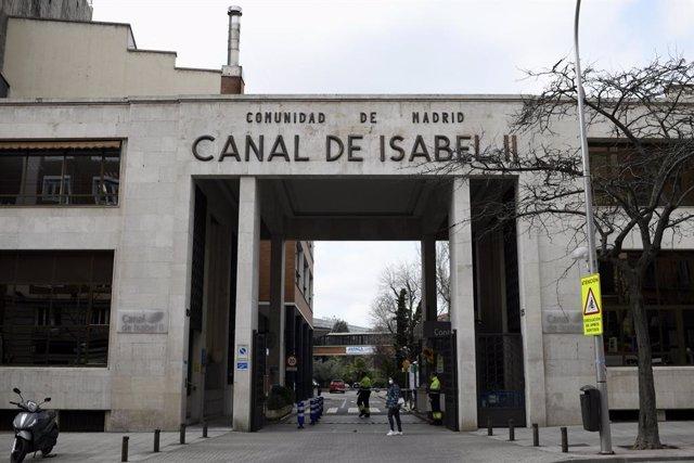 Archivo - Entrada de las instalaciones del Canal de Isabel II, en Madrid (España), a 15 de febrero de 2021. La Comunidad de Madrid, a través de Canal de Isabel II, hará públicos semanalmente los datos de presencia de coronavirus en las aguas residuales de