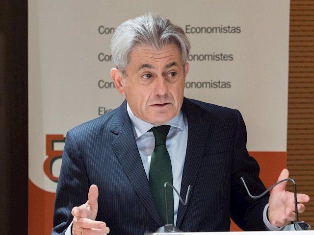 Archivo - Valentín Pich, presidente del Consejo General de Economistas
