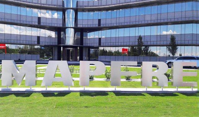 Archivo - Sede de Mapfre con el logo de la compañía