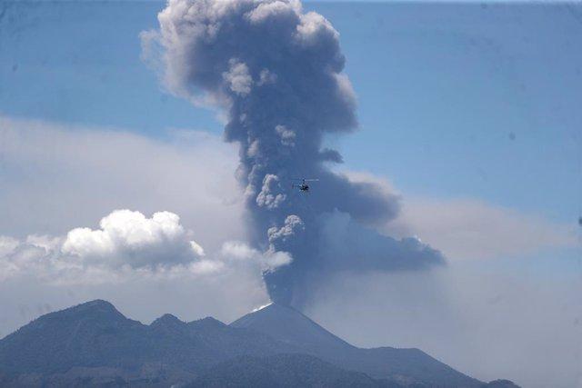 Archivo - Erupción del volcán Pacaya en Guatemala
