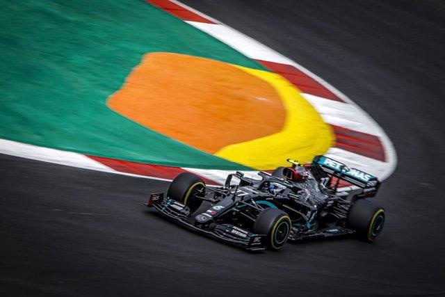 Archivo - 77 BOTTAS Valtteri (fin), Mercedes AMG F1 GP W11 Hybrid EQ Power+, action during the Formula 1 Heineken Grande Prémio de Portugal 2020, Portuguese Grand Prix, from October 23 to 25, 2020 on the Autódromo Internacional do Algarve, in Portimão, Al