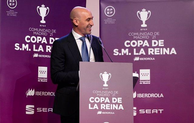 El presidente de la RFEF, Luis Rubiales, anuncia que España jugará los amistosos contra Portugal y Lituania en junio en Madrid.