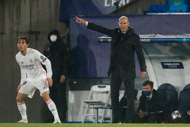 Zinedine Zidane, head coach of Real Madrid, gestures during the UEFA Champions League, Semifinals Leg Two, football match played between Real Madrid and Chelsea FC at Alfredo Di Stefano stadium on April 27, 2021, in Valdebebas, Madrid, Spain.