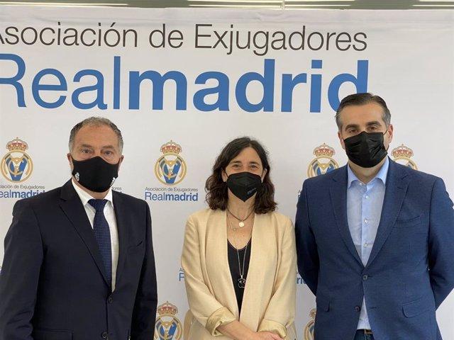 Liberbank impulsará con la asociación de veteranos del Real Madrid acciones solidarias.