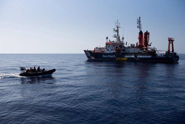 Archivo - Barco de rescate 'Sea Watch 4'