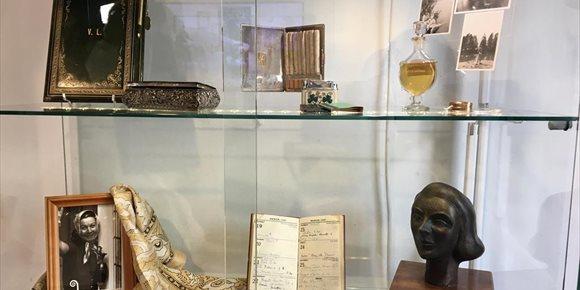 1. Una admiradora subasta una cincuentena de objetos y atrezo de la actriz Vivien Leigh