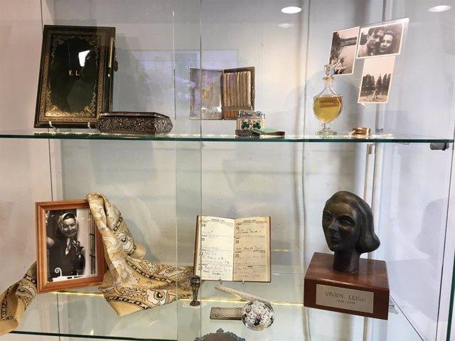 Arxiu - El portacigarretes i l'agenda personal de l'actriu Vivien Leigh, entre altres objectes.