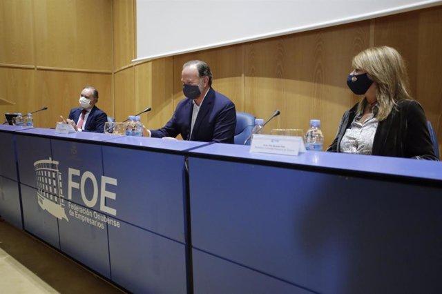Inauguradas las jornadas sobre 'Oportunidades de negocio y empleo' del Puerto de Huelva.