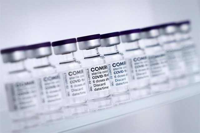 30 April 2021, Schleswig-Holstein, Reinbek: Vials of BioNTech/Pfizer's Comirnaty vaccine are lined up at Allergopharma's production facilities in Reinbek near Hamburg for the official start of production of the vaccine here.