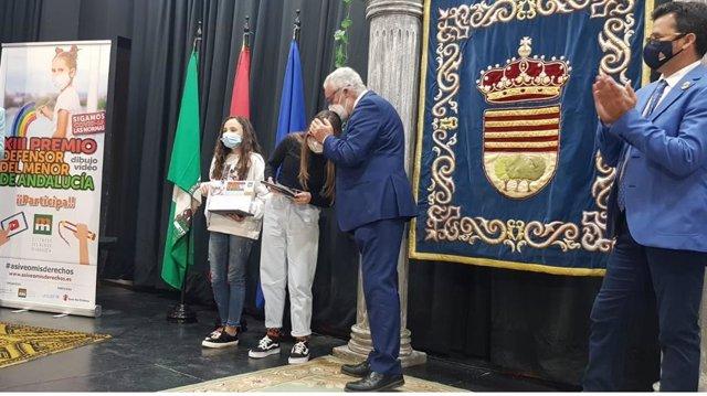 Un momento de la entrega del premio en Encinas Reales.