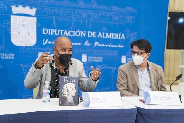Presentación de los libros 'Jano' y 'Sangre', de Alexis Díaz Pimienta, en la Diputación de Almería