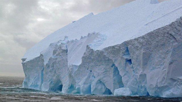Frente de hielo en la Antártida