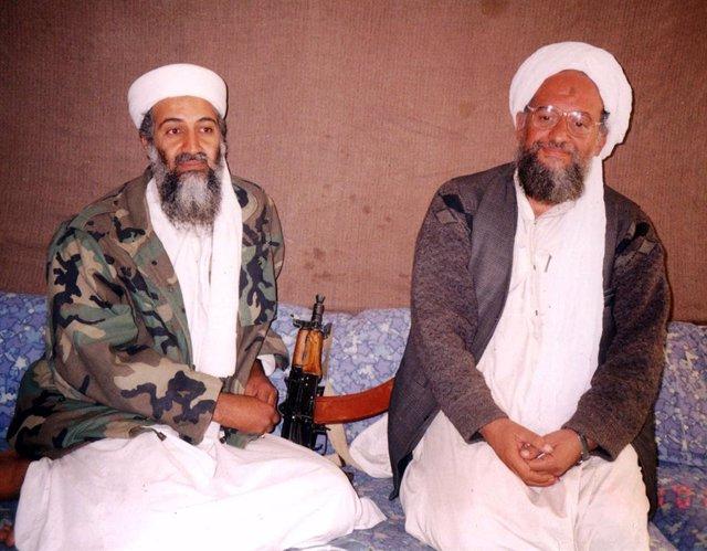 Archivo - Usama bin Laden y Ayman al Zawahiri