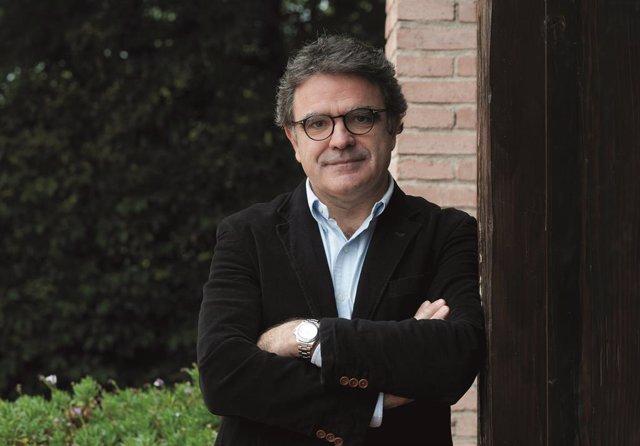 Archivo - Arxivo - El periodista Rafael Vilasanjuan, Director d'Anàlisi i Desenvolupament Global de l'Institut de Salut Global de Barcelona (ISGlobal) i antic Secretari General de Metges Sense Fronteres Internacional, acaba de publicar 'Les fronteres d'Ul