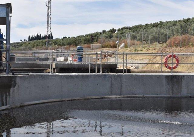 Archivo - Imagen de una depuradora de aguas residuales.