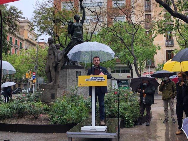 Pere Aragonès en l'homenatge d'ERC a Francesc Layret durant l'1 de Maig, Dia del Treballador