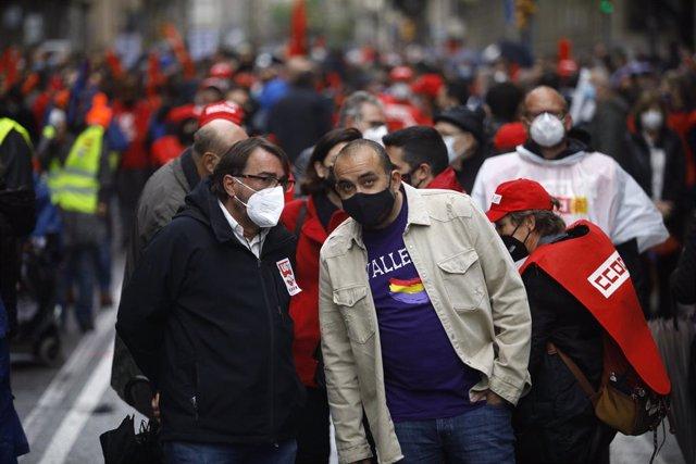 El secretari general d'UGT de Catalunya, Camil Ros, i del de CC.OO. De Catalunya, Javier Pacheco, en la concentració de Barcelona per el 1 de Maig, Dia del Treballador