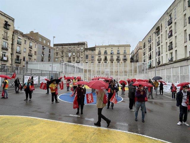 Persones es concentren a Barcelona en un acte convocat per la Va unir Sindical Obrera de Catalunya (Usoc)