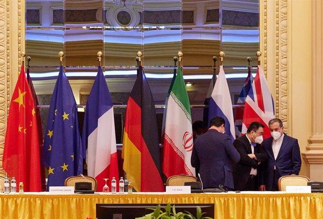 El viceministro iraní Abbas Araghchi participa en las reuniones de la comisión del acuerdo nuclear en Viena
