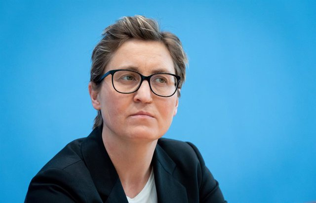 Archivo - 15 March 2021, Berlin: Susanne Hennig-Wellsow, party leader of Die Linke (The Left), attends a press conference a day after the state elections in Baden-Wuerttemberg and Rhineland-Palatinate. Photo: Kay Nietfeld/dpa