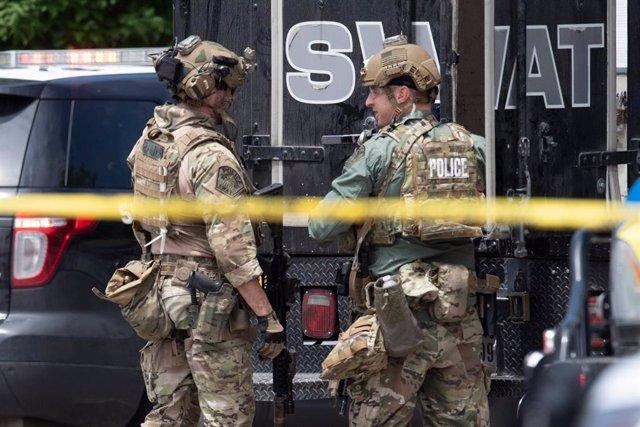 Policia dels EUA en un tiroteig