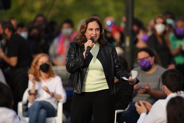 La alcaldesa de Barcelona, Ada Colau, durante el acto de cierre de campaña de Unidas Podemos en Madrid