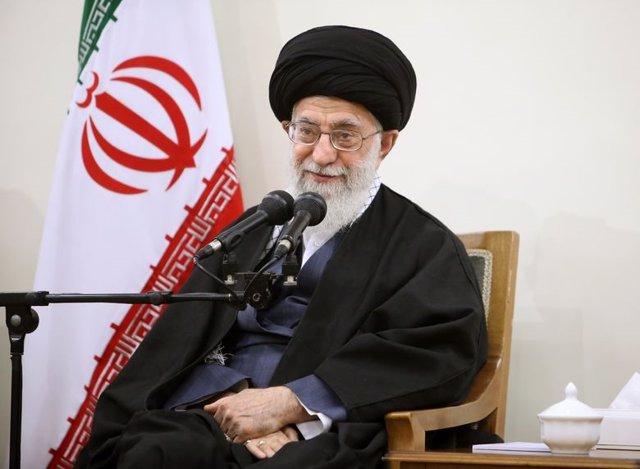 Archivo - El ayatolá Alí Jamenei