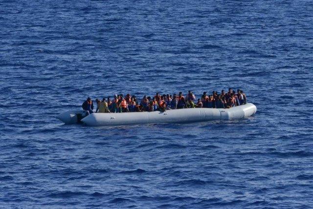 Archivo - Rescatados por la fragata española 'Canarias' en la Operación Sophia