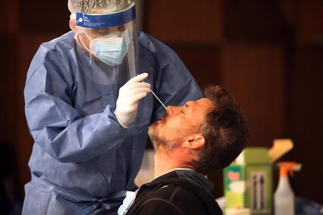 Prueba de coronavirus en Argentina