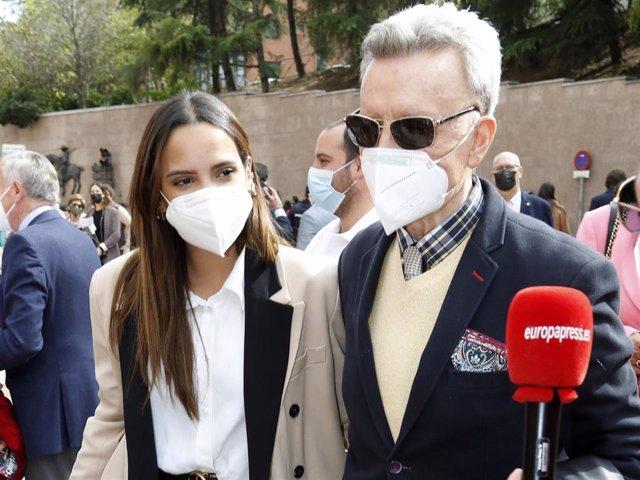 Gloria Camila y José Ortega Cano, tan unidos como siempre, han asistido a Las Ventas
