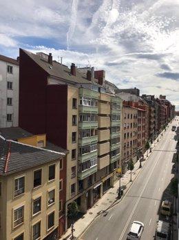 Archivo - El precio de la vivienda subió un 3,26% en octubre en tasa interanual, según Pisos.com
