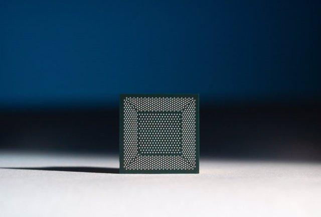 Archivo - Chip neuromórfico Loihi de Intel