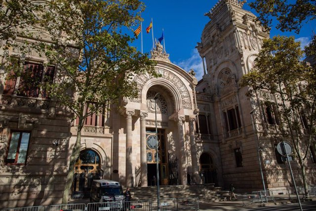 Archivo - Arxiu - Façana del Tribunal Superior de Justícia de Catalunya.