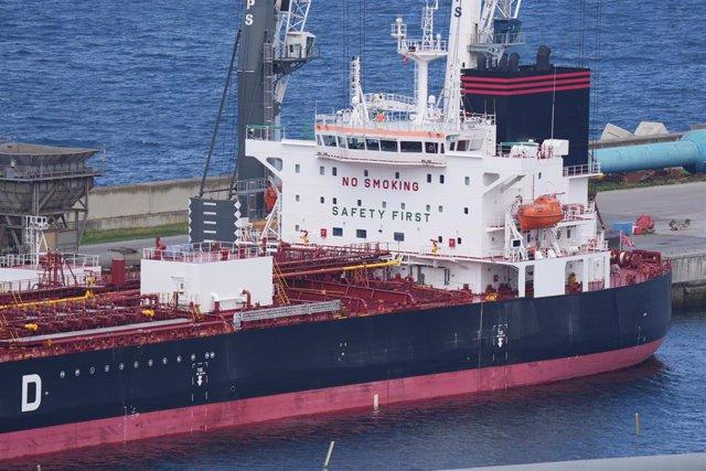 Barco atracado en el Puerto de Bilbao en cuarentena por posible contagio de Covid-19, a 3 de mayo de 2021, en Bilbao, Euskadi