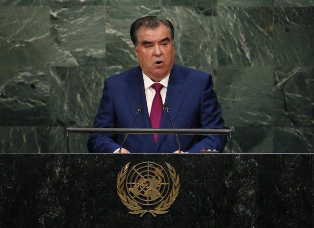 Archivo - El presidente de Tayikistán, Emomali Rajmon, habla ante la ONU