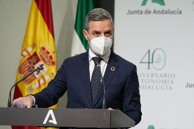 Archivo - El consejero de Hacienda y Financiación Europea, Juan Bravo.