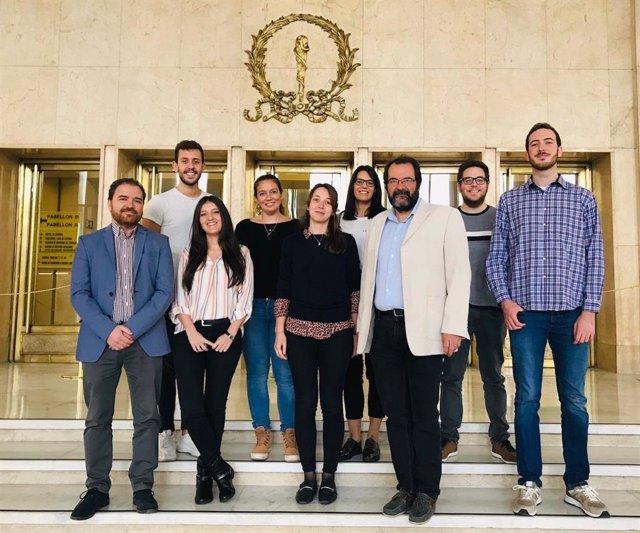 Archivo - Grupo del CIBERES liderado por Francisco Pérez Vizcaino (UCM) , al que pertenece el investigador Ángel Cogolludo (primero de la izquierda) y que acaba de recibir una beca de la Fundación Contra la Hipertensión Pulmonar (FCHP).